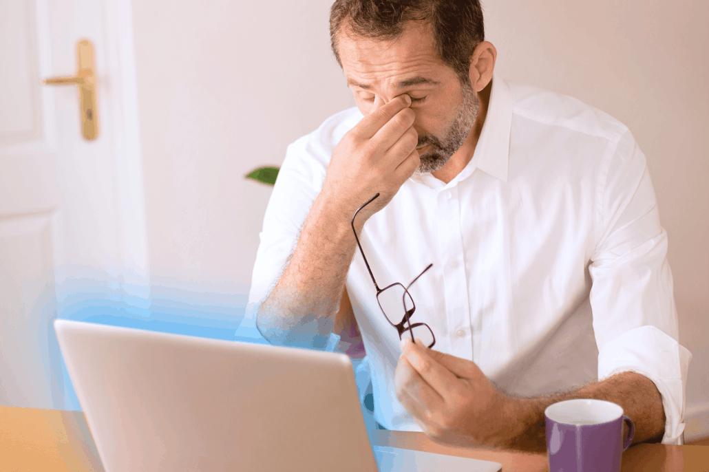 חשיפה לאור כחול ממכשירים דיגיטליים עלולה להוביל לכאבי ראש ועייפות