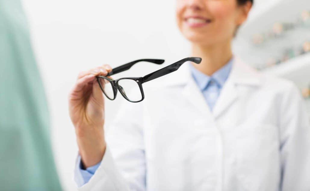 משקפיים לקרטוקונוס