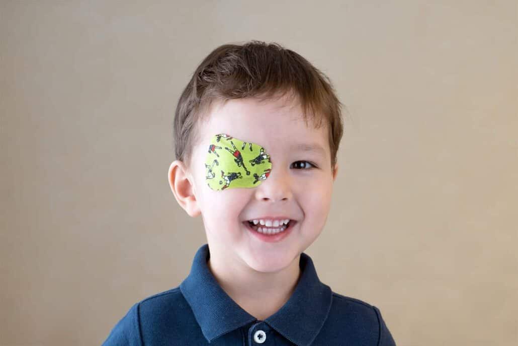 טיפול בעין עצלה בעזרת פדים לעיניים