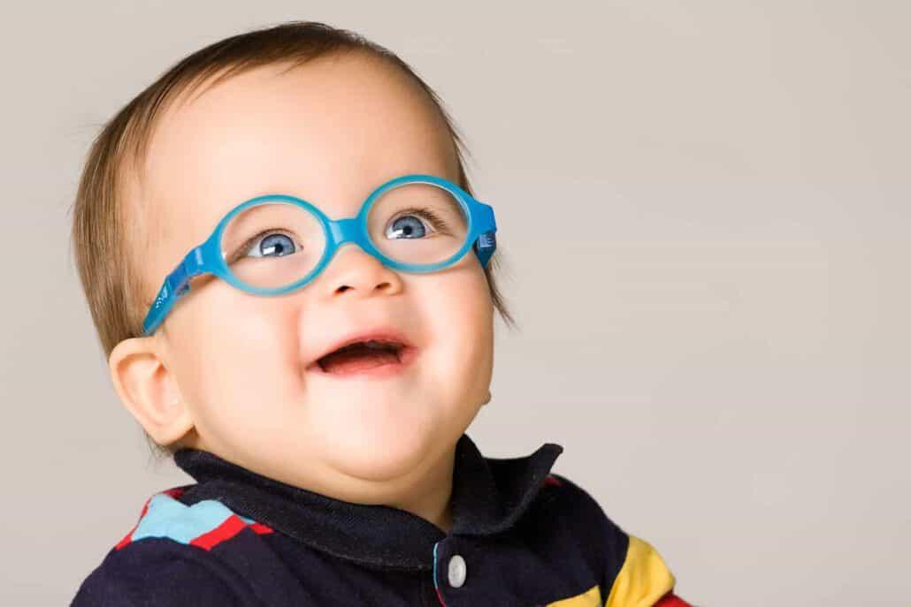 משקפיים לתינוקות במגוון צבעים